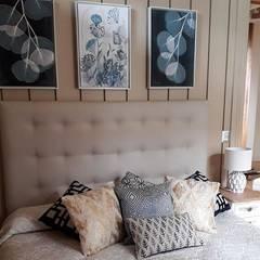 Decoración Hotel Puerto Claro: Dormitorios pequeños de estilo  por Azohia Design - Diseño y Decoracion Maria Alejandra Bucher EIRL