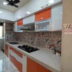Wow Homzが手掛けた小さなキッチン, モダン ガラス