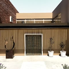 Single family home by ANAYA Architecture