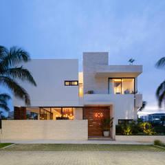 Rumah tinggal  oleh Daniel Cota Arquitectura | Despacho de arquitectos | Cancún