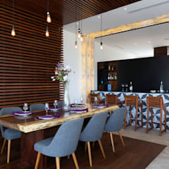casa de la p: Comedores de estilo  por Daniel Cota Arquitectura | Despacho de arquitectos | Cancún, Moderno Madera Acabado en madera