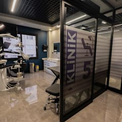 インダストリアルな医療機関 の Teknik Sanat İç Mimarlık Renovasyon Ltd. Şti. インダストリアル