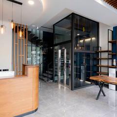 Clinics by Teknik Sanat İç Mimarlık Renovasyon Ltd. Şti.