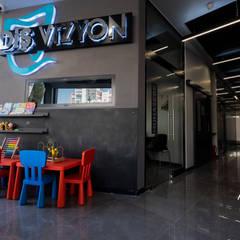Gezondheidscentra door Teknik Sanat İç Mimarlık Renovasyon Ltd. Şti.,