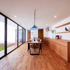 園の家: STaD(株式会社鈴木貴博建築設計事務所)が手掛けたダイニングです。,オリジナル