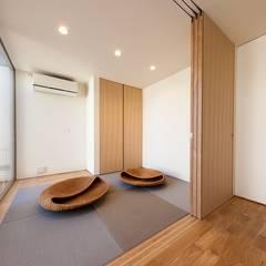 一輪車の家: STaD(株式会社鈴木貴博建築設計事務所)が手掛けた和室です。,