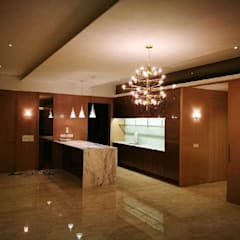 Y RESIDENCE:  Kitchen by Mezt interior architecture,
