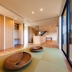 ∧の家: STaD(株式会社鈴木貴博建築設計事務所)が手掛けた和室です。,