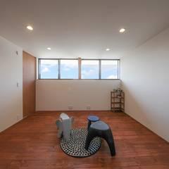 R-BOX: STaD(株式会社鈴木貴博建築設計事務所)が手掛けた子供部屋です。,