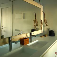 ห้องน้ำ โดย Xmas Arquitectura e Interiorismo para reformas y nueva construcción en Barcelona, เมดิเตอร์เรเนียน