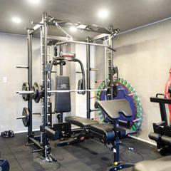Ruang Fitness oleh 인우건축사사무소