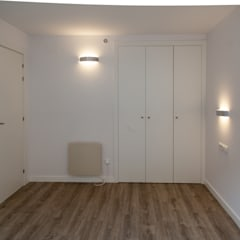 Small bedroom by Bau Arquitectura Tarragona, Modern