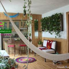 Study/office by Flor de Piedra Jardines Verticales, Tropical