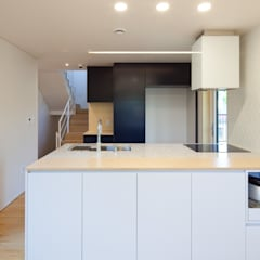 [용인목조주택]용인시 수지구 동천동 전원주택 실내/실외: 위드하임의  작은 주방,
