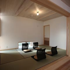 Media room by 株式会社高野設計工房, Scandinavian