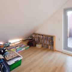 [화성시 동탄 목조주택]화성시 산척동 동탄2지구 전원주택 실내/실외: 위드하임의  아기 방,모던