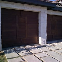 Garage Doors by homify,