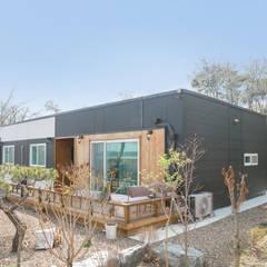 공간제작소 네번째 설계사례: 공간제작소(주)의  조립식 주택,모던
