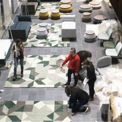 Serviços de Remodelações e Design de Interiores: Escritórios e Espaços de trabalho  por Roof ,Moderno