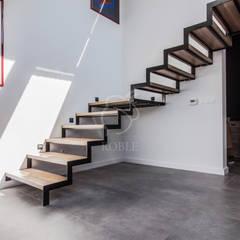 Escaleras de estilo  por Roble
