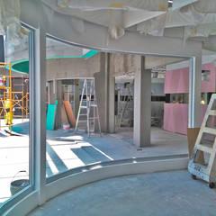 Big Borther : Casas multifamiliares de estilo  por Proyecto 3Catorce