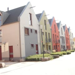 Terrace house by デンマークハウス, Scandinavian