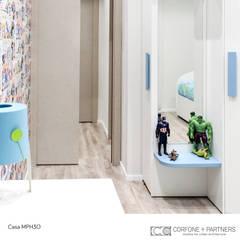 CASA MPH30: Stanza dei bambini in stile  di CORFONE + PARTNERS studios for urban architecture