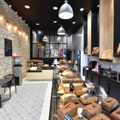 مراكز تسوق/ مولات تنفيذ Tiffany FAYOLLE