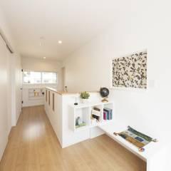 『 LivesumaiⅥ 』:  Live Sumai - アズ・コンストラクション -が手掛けた廊下 & 玄関です。,