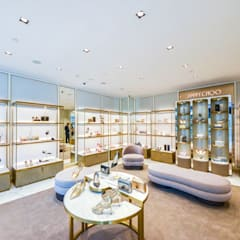 Jimmy Choo, Shop Floor Design:  Commercial Spaces by DMR DESIGN AND BUILD SDN. BHD.,