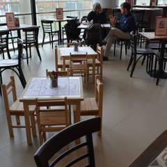 Emporio La rosa Heladería y cafeteria en conocido mall en la ciudad Viña del mar: Centros Comerciales de estilo  por SP estudio