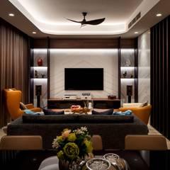 Bishopgate Residences:  Living room by Summerhaus D'zign,