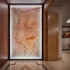 Bishopgate Residences:  Corridor, hallway by Summerhaus D'zign,Modern