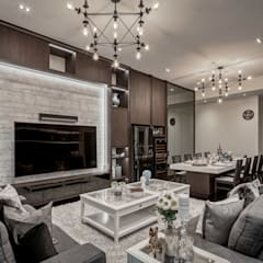 The Equatorial:  Living room by Summerhaus D'zign,