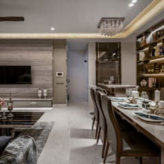 Victoria Park Villas:  Living room by Summerhaus D'zign