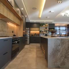 JPVO Project:  Kitchen by Audio Visual Projects (PTY) Ltd,