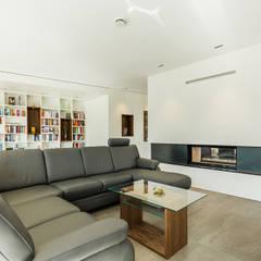 Modernes Einfamilienhaus in Tutzing:  Wohnzimmer von WSM ARCHITEKTEN,Modern