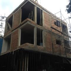 Departamentos: Casas multifamiliares de estilo  por Roca Arquitectura & Construccion, Minimalista