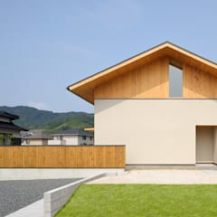Single family home by ミナトカズアキ建築工房,