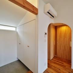 荒川の複合住宅: ユウ建築設計室が手掛けたプールです。