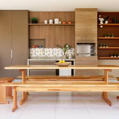 Balcón de estilo  por Flávia Diniz - Designer de Ambientes, Moderno