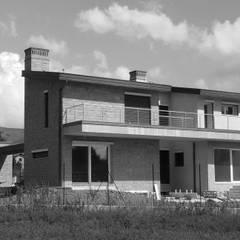 منزل ريفي تنفيذ TuscanBuilding - Studio tecnico di progettazione,