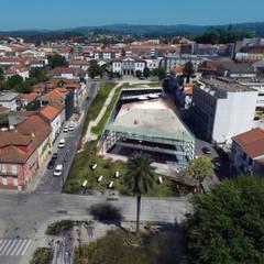 Proposta de Edifício Publico - Fafe: Escritórios e Espaços de trabalho  por ARQUITECTOSRT,Moderno