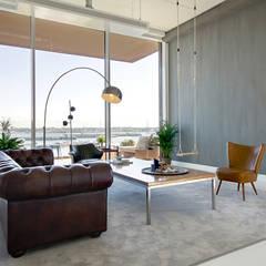 Fresco lime paint Eclectische woonkamers van Pure & Original Eclectisch