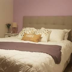 Ambientaciones: Dormitorios de estilo  por Alberto Torsegno  Muebles & Decoracío