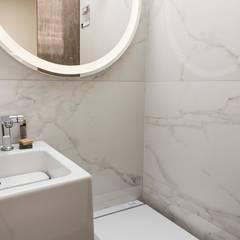 Bathroom by SUMATORIA, Modern
