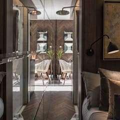 TINY HOUSE: Pasillos y hall de entrada de estilo  por SUMATORIA
