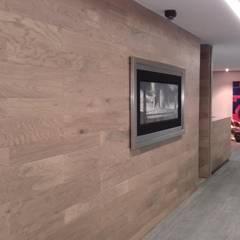 Estudios y despachos de estilo  por Ortiz Construcciones y Remodelacion Integral, Mediterráneo Aglomerado