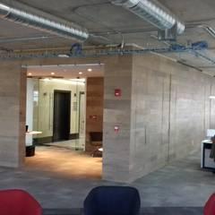 Remodelacion de oficinas e interiores. : Estudios y oficinas de estilo  por Ortiz Construcciones y Remodelacion Integral