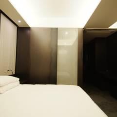 Hotel the mat (호텔 더매트): M's plan 엠스플랜의  침실,미니멀